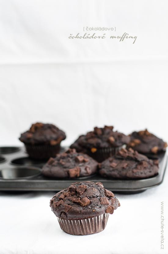 { čokoládovo } čokoládové muffiny