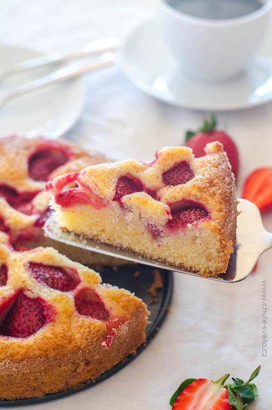 jahodový koláč z podmáslí