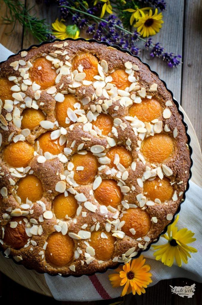 Celozrnný meruňkový koláč s mandlemi
